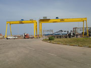 Installation of two gantry cranes for an outdoor area in Arzew, Oran, Algeria